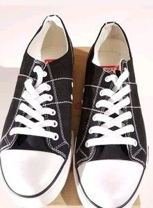 Levis women sneakers size 11